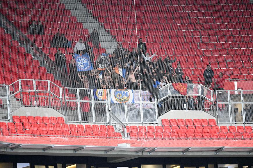 photo : nos supporters à lyon   mhsc foot , billetterie montpellier